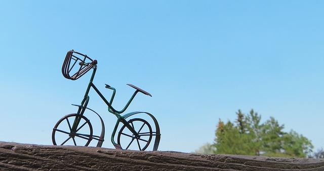 jízdní kolo s košíkem