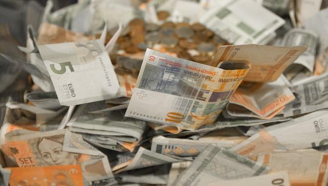 šedooranžové bankovky.jpg