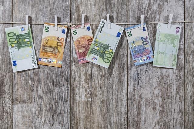 přikolíčkovaná eura